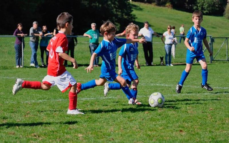 Jugar Al Futbol En La Ninez Un Buen Metodo Para Prevenir La