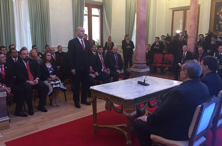 Nuevo ministro del interior anuncia cambios en la for Nuevo ministro del interior